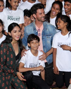 Photos: Super 30 Team Fulfils The Wish Of Poverty Kids To Dance With Hrithik