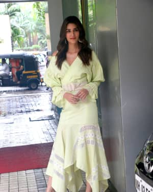 Kriti Sanon - Photos: Promotion Of The Film Arjun Patiala At Juhu | Picture 1662232