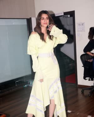 Kriti Sanon - Photos: Promotion Of The Film Arjun Patiala At Juhu | Picture 1662237