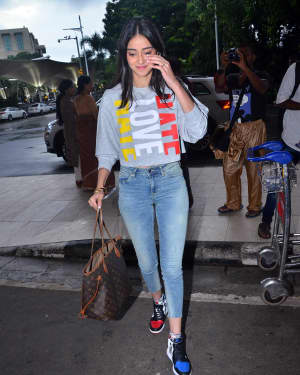 Photos: Celebs Spotted At Airport | Picture 1668726
