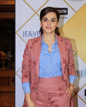 Taapsee Pannu - Photos: Red Carpet Of NBT Utsav Awards 2019
