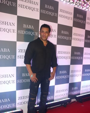 Salman Khan - Photos: Baba Siddiqui Iftar Party At Taj Lands End Add Files