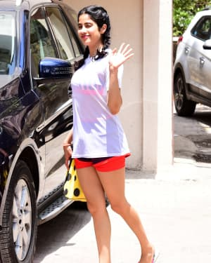 Janhvi Kapoor - Photos: Celebs Spotted at Bandra | Picture 1651511