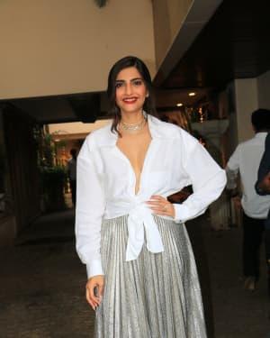 Sonam Kapoor Ahuja - Photos: Sonam Kapoor's Birthday Party At Anil Kapoor's House
