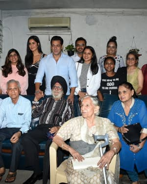Photos: Special Screening Of Film Bharat For Families Separated During 1947 | 1653845
