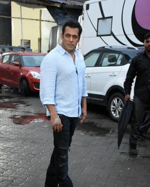 Salman Khan - Photos: Special Screening Of Film Bharat For Families Separated During 1947 | 1653843
