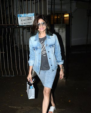 Shamita Shetty - Photos: Celebs Spotted At Kromakay Salon In Juhu | Picture 1655304