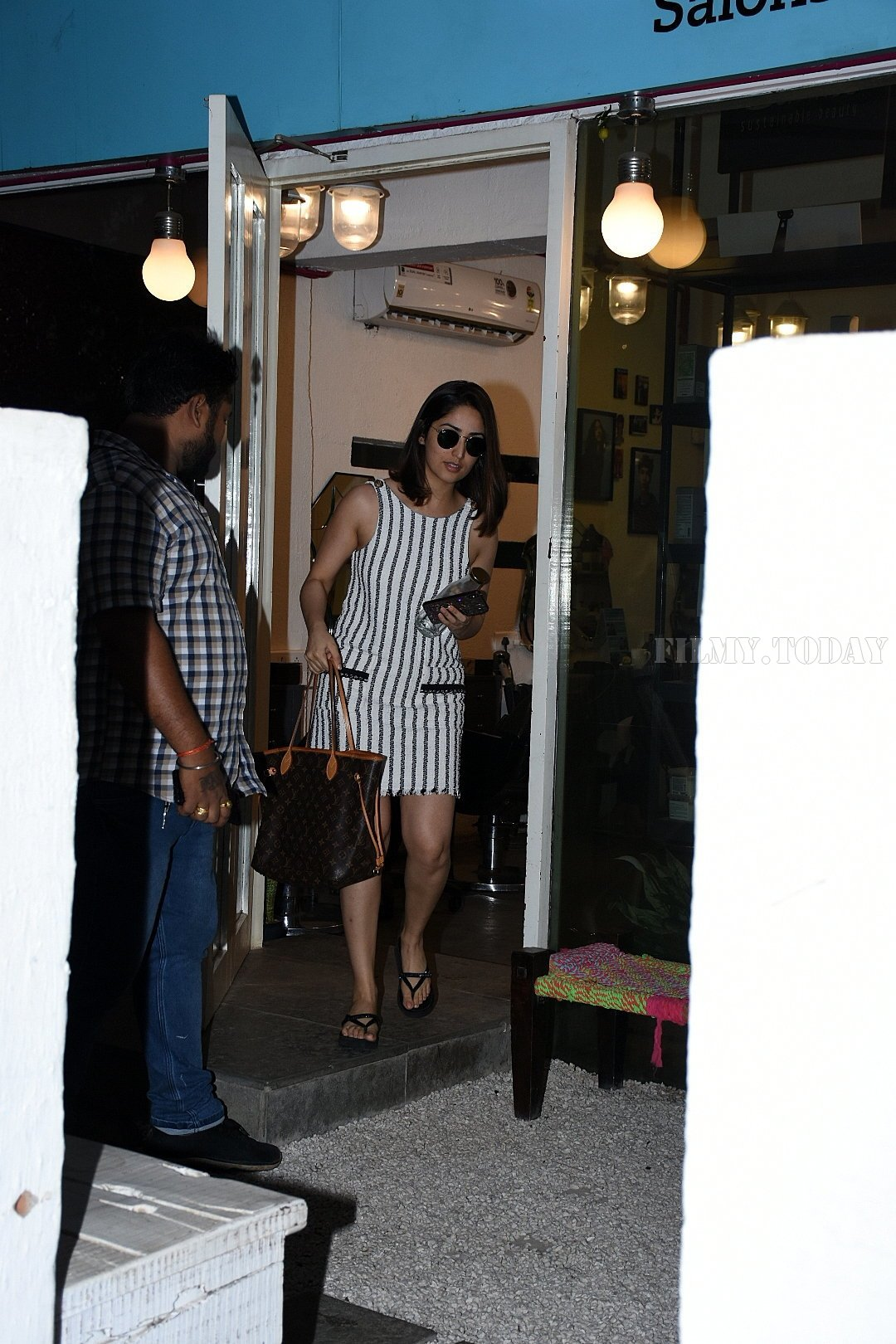 Yami Gautam - Photos: Celebs Spotted Bblunt Salon At Bandra | Picture 1654970