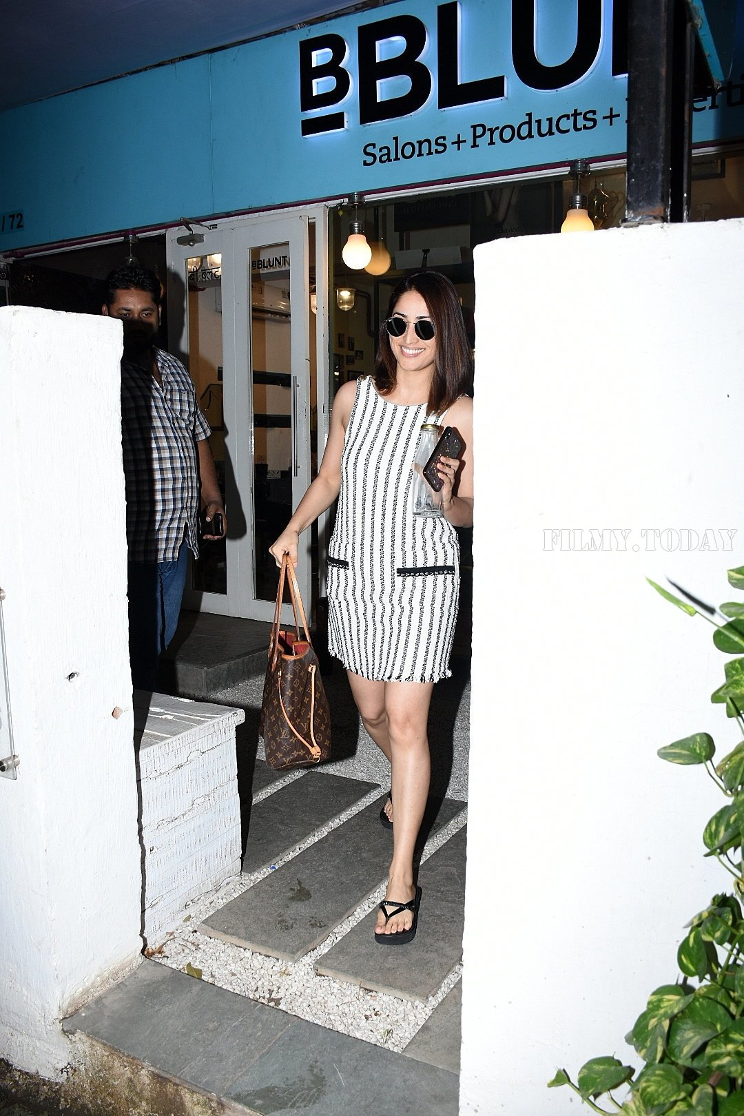 Yami Gautam - Photos: Celebs Spotted Bblunt Salon At Bandra | Picture 1654972