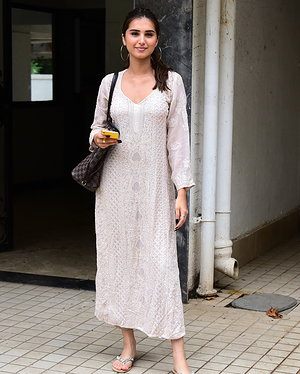Tara Sutaria - Photos: Celebs Spotted at Bandra | Picture 1654991