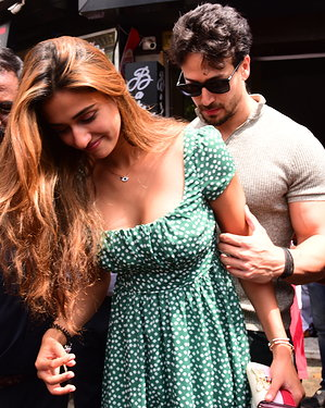 Disha Patani - Photos: Celebs Spotted at Bastian | Picture 1654967