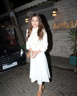 Shama Sikander - Photos: Celebs Spotted At Bayroute In Juhu