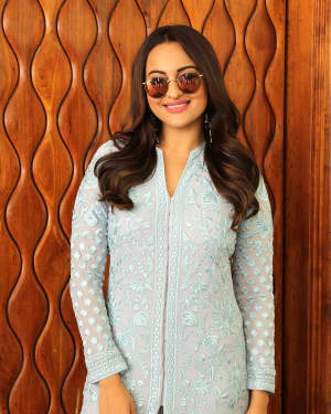 Sonakshi Sinha - Photos: Promotion Of Film Khandaani Shafakhana At Sun N Sand