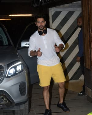 Varun Dhawan - Photos: Celebs Spotted at Gym | Picture 1657361