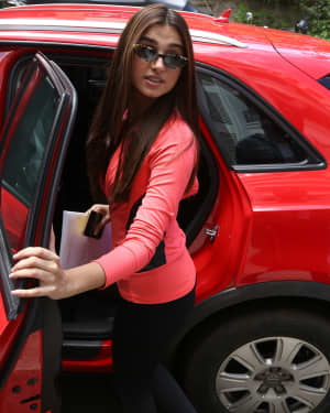 Tara Sutaria - Photos: Celebs Spotted at Bandra | Picture 1657898