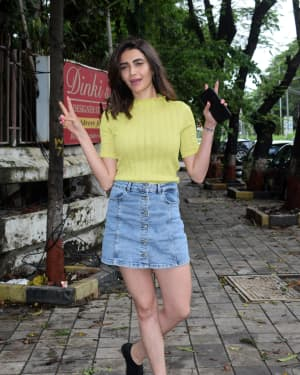 Karishma Tanna - Photos: Celebs Spotted At Kromakay Salon In Juhu | Picture 1658547