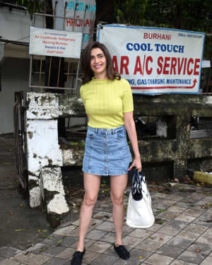 Karishma Tanna - Photos: Celebs Spotted At Kromakay Salon In Juhu | Picture 1658541