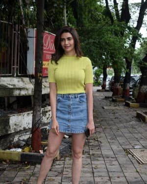 Karishma Tanna - Photos: Celebs Spotted At Kromakay Salon In Juhu | Picture 1658542