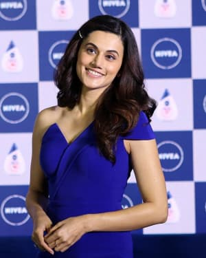 Photos: Taapsee Pannu Launches the Nivea's New Range Of Face Wash