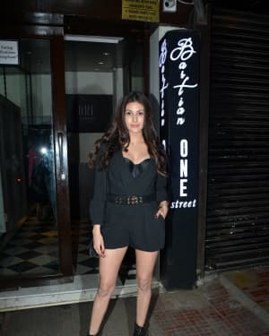 Amyra Dastur - Photos: Celebs Spotted at Bastian | Picture 1633219