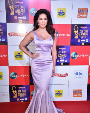 Sunny Leone - Photos: Celebs at Zee Cine Awards 2019 Red Carpet