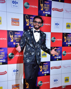 Ranveer Singh - Photos: Celebs at Zee Cine Awards 2019 Red Carpet