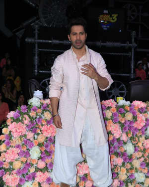 Varun Dhawan - Photos: Promotion Of Film Kalank on the sets of Super Dancers Chapter 3 | Picture 1638828