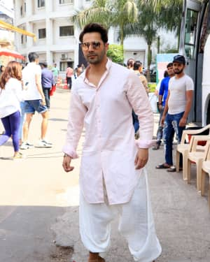 Varun Dhawan - Photos: Promotion Of Film Kalank on the sets of Super Dancers Chapter 3