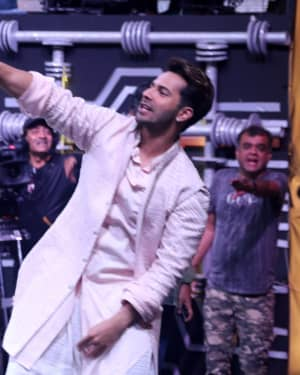 Photos: Promotion Of Film Kalank on the sets of Super Dancers Chapter 3 | Picture 1638859