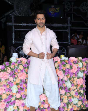 Varun Dhawan - Photos: Promotion Of Film Kalank on the sets of Super Dancers Chapter 3 | Picture 1638855
