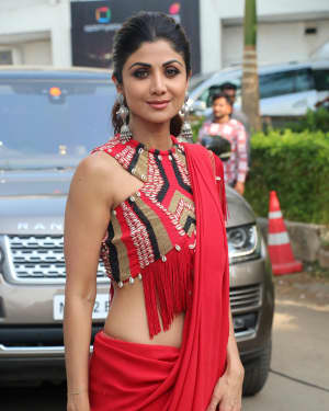 Shilpa Shetty - Photos: Promotion Of Film Kalank on the sets of Super Dancers Chapter 3