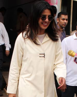 Priyanka Chopra - Photos: Celebs Voting For 2019 Election | Picture 1645486