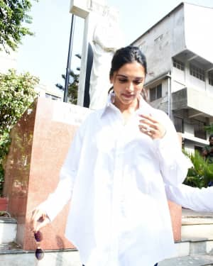 Deepika Padukone - Photos: Celebs Voting For 2019 Election
