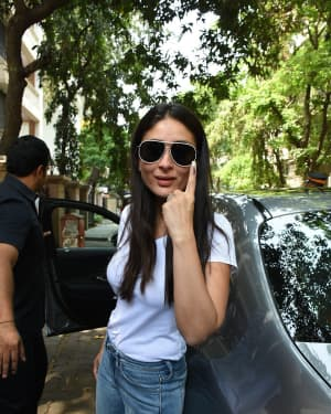Kareena Kapoor - Photos: Celebs Voting For 2019 Election