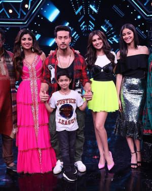 Student of the Year 2 - Photos: Promotion Of Student Of The year 2 on the sets of Super Dancer Chapter 3