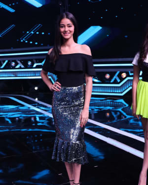 Ananya Pandey - Photos: Promotion Of Student Of The year 2 on the sets of Super Dancer Chapter 3