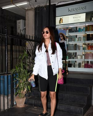 Photos: Esha Gupta Spotted at Juice Salon