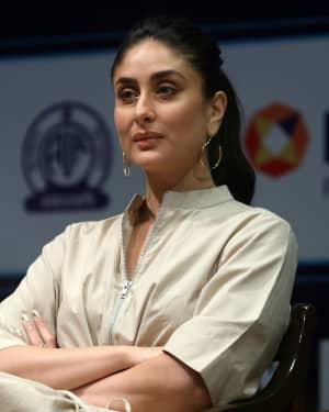 Photos: Kareena Kapoor at Aroi & AIR Radio 4 Child Awards III   Picture 1646799