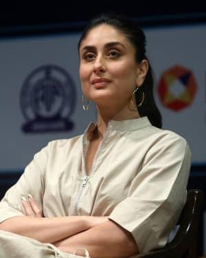 Photos: Kareena Kapoor at Aroi & AIR Radio 4 Child Awards III   Picture 1646786