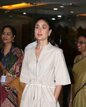 Photos: Kareena Kapoor at Aroi & AIR Radio 4 Child Awards III   Picture 1646798
