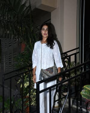 Photos: Rhea Chakraborty Spotted at Sushant Singh Rajput's House | Picture 1646482