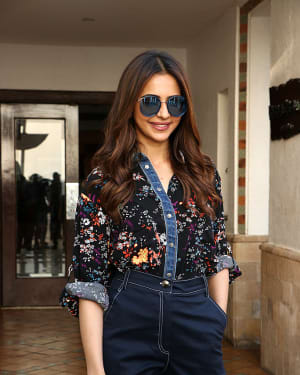 Photos: Rakul Preet Singh Snapped during De De Pyaar De Promotions | Picture 1647858