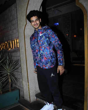 Photos: Celebs Spotted At Bayroute In Juhu | Picture 1650453