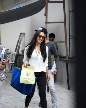 Kiara Advani - Photos: Celebs Spotted at Bandra | Picture 1650483