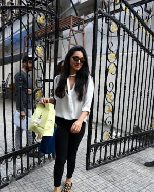 Kiara Advani - Photos: Celebs Spotted at Bandra | Picture 1650486