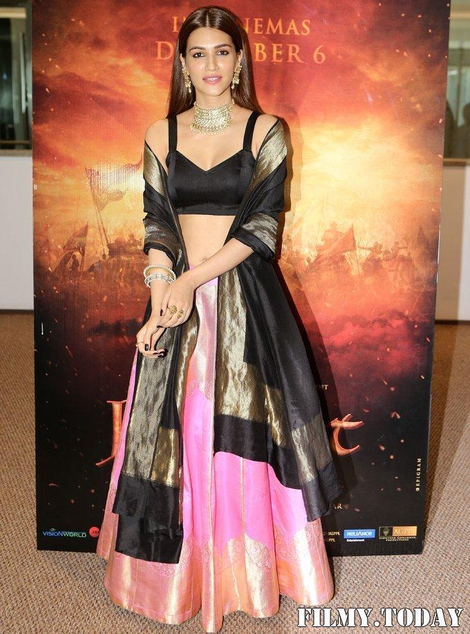 Kriti Sanon - Photos: Trailer Launch Of Film Panipat At Indus Club | Picture 1696304