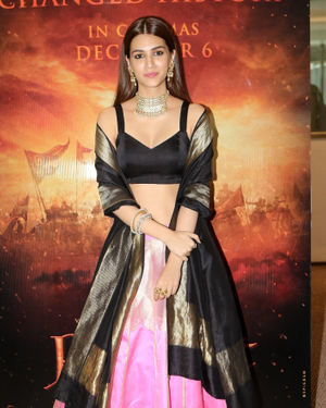 Kriti Sanon - Photos: Trailer Launch Of Film Panipat At Indus Club | Picture 1696305