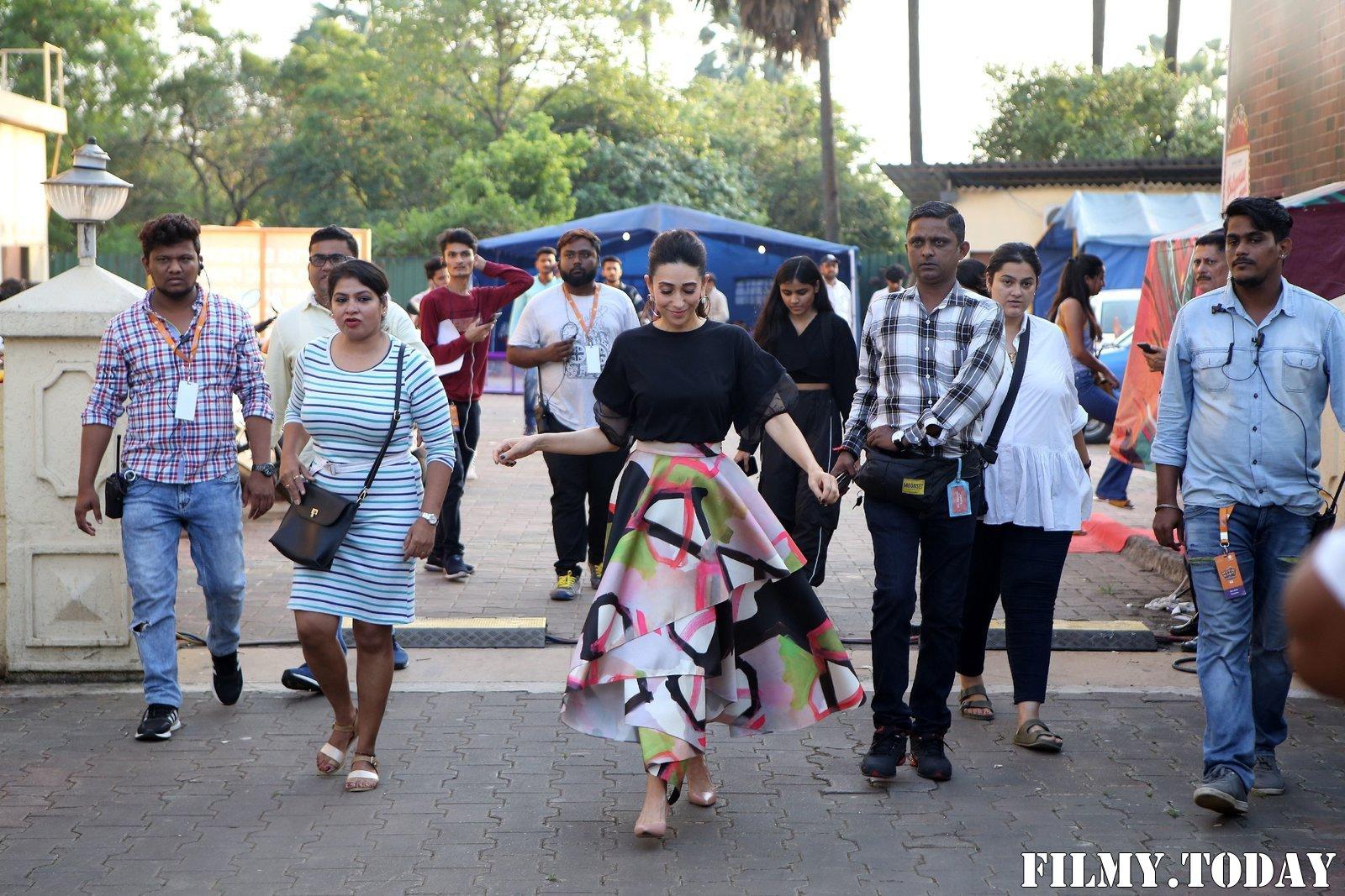 Karisma Kapoor - Photos: Celebs On The Sets Of Zee Tv Movie Masti With Manish Paul | Picture 1696479
