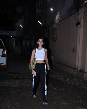 Shanaya Kapoor - Photos: Celebs Spotted At Dance Class In Bandra
