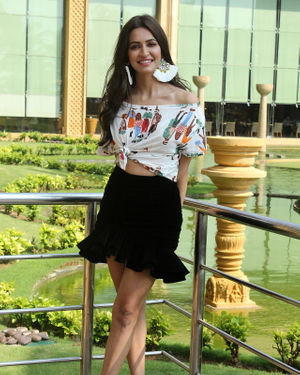Kriti Kharbanda - Photos: Promotion Of Film Pagalpanti At Jw Juhu | Picture 1696423